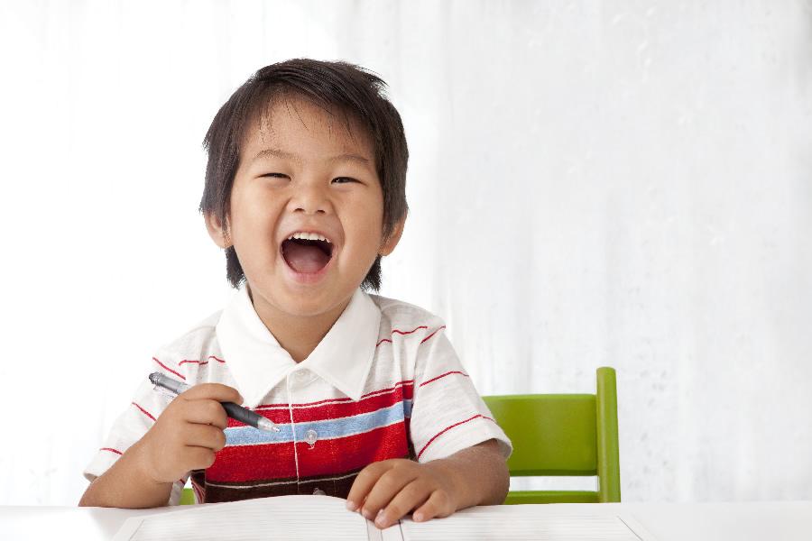 rigolo-enfant-apprendre