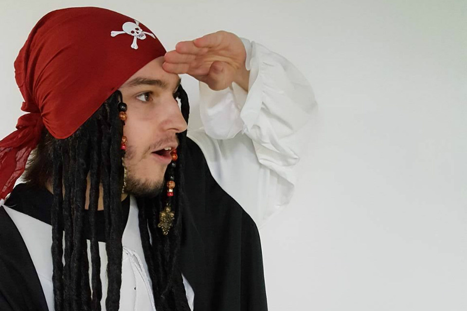 Photo - Pirate qui anime les fêtes d'enfants au Rigolo dans le Forfait animation